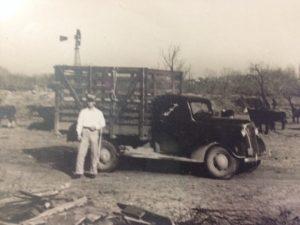 1940-livestock-hauler