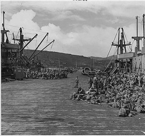 troops-loading-for-kiska-august-1942